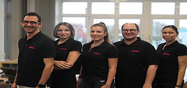 Gruppenfoto unseres technischen Beraterteams. Klicken, um zu unseren Produktleitfäden zu gelangen.
