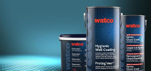 Im Bild: Concrex und Hygiene Wandbeschichtung auf einem blauen Boden