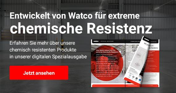 Text: Entwickelt von Watco für extreme chemische Resistenz. Erfahren Sie mehr über unsere chemisch resistenten Produkte in unserer digitalen Spezialausgabe. Klicken, um mehr zu erfahren. Im Bild: Der digitale Katalog ist aufgeblättert vor einem Lagerhaus Hintergrund zu sehen.