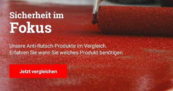 Sicherheit im Fokus. Erfahren Sie wann Sie welches Produkt benötigen. Im Bild: Mit einem Farbroller wir eine rote Beschichtung mit Anti-Rutsch-Zuschlag auf einem Boden verteilt